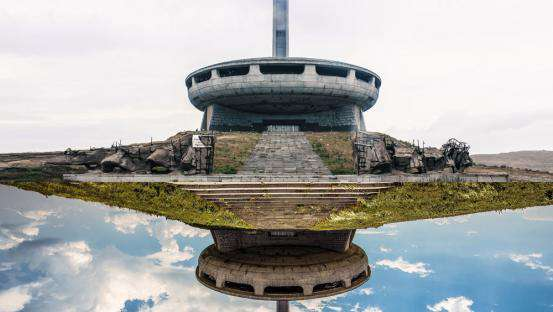 Totally Lost : exploration of abandoned european totalitarian architecture